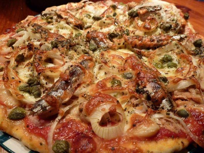 La recette d'Emmanuelle : La Pizza aux Anchois, Pâte au Basilic