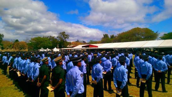 Campagne de recrutement pour intégrer la police, les prisons et la Fire and Rescue Service