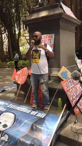 [Vidéo] Manifestation au Jardin de la Compagnie : «Notre océan n'est pas à vendre»