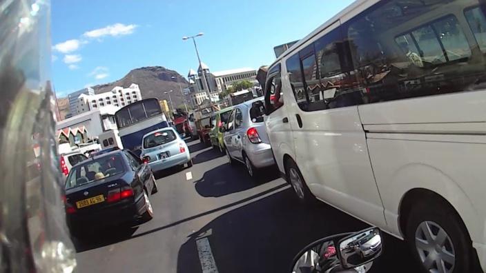 Des milliers de mauriciens pris en otage ce matin dans les embouteillages