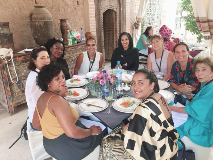 Déjeuner avec des femmes sénatrices, entrepreneuses, professeurs...