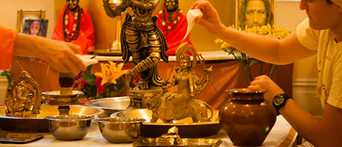 Début du Navratri : Neuf nuits de prières consacrées à la déesse Durga