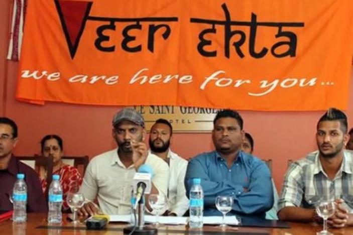Photo illustration: Veer Ekta lors d'une conférence de presse.