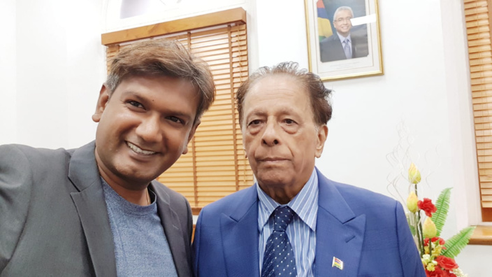 Qui est Vikram Jootun, le chef d'orchestre du clip «Vire Mam» ?