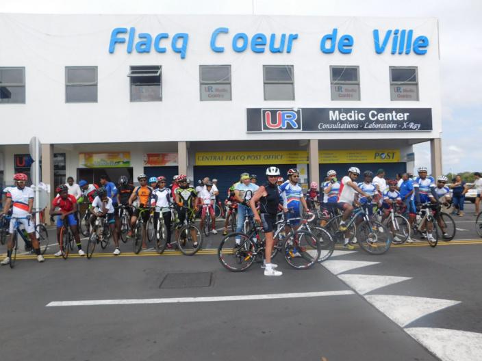 [Diaporama] Flacq Coeur de Ville : Balade à bicyclette en hommage aux disparus
