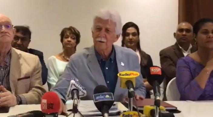 Paul Bérenger : « Nous condamnons le renvoi des élections villageoises à 2020 »