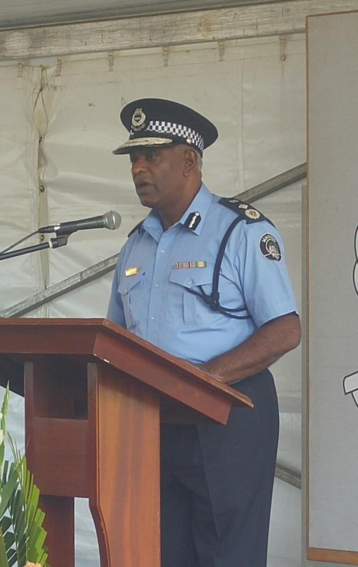 Le commissaire de police fait marche arrière