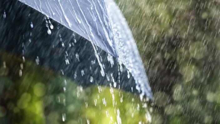 Météo : L'avis de fortes pluies levé, les établissements scolaires et universités ouverts