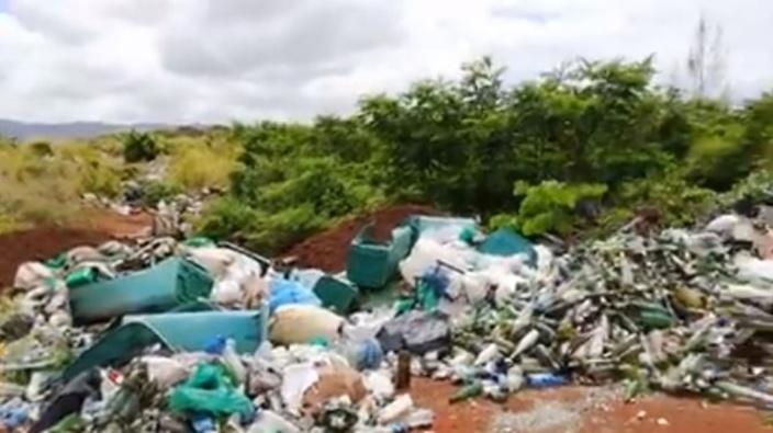 [Vidéo] Nouveau site de décharges sauvages à Bel Ombre