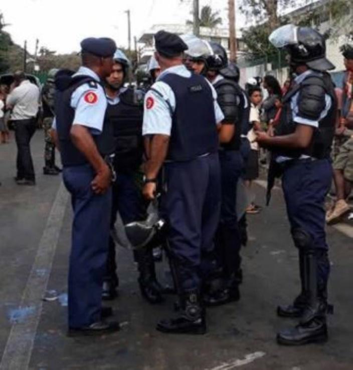 Opération de l'Adsu à Résidence Barkly : Quatre personnes arrêtées, trois policiers blessés