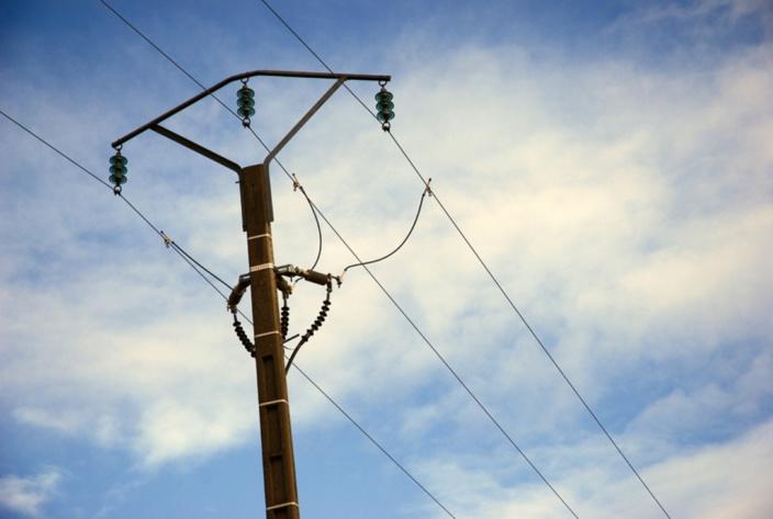 Quatre-Cocos : Un jeune électrocuté après avoir accidentellement heurté le fil d'un pylône électrique