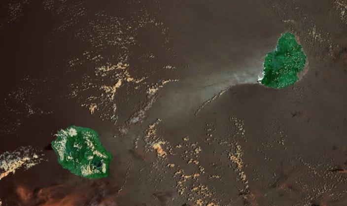 Les Iles Soeurs vues par Terra/Modis à 10h35. Grand soleil sur Maurice. Photo sat: NASA US