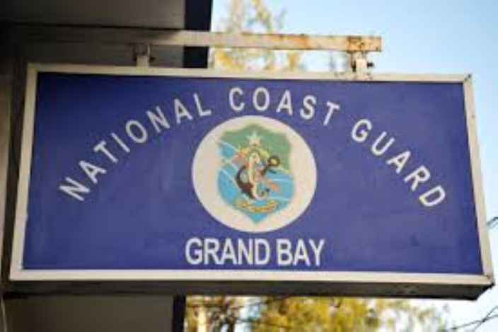 GELENA : Un bateau de pêche chavire à Grand-Baie, une personne est portée disparue