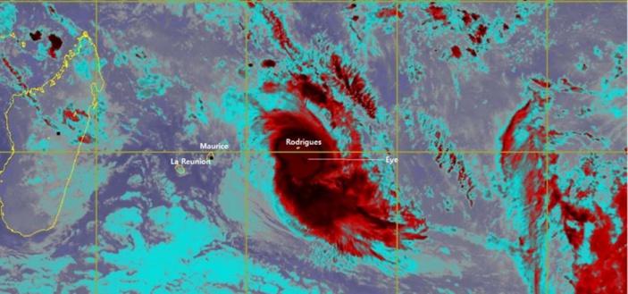 GELENA : L'oeil du cyclone tropical intense est passé à 45 km de Rodrigues