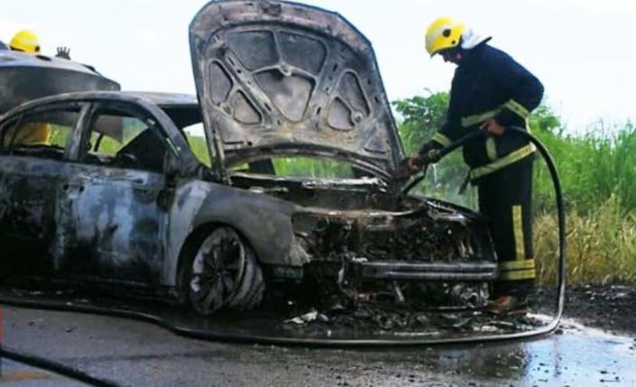 Un nouveau drame évité de peu : une voiture prend feu