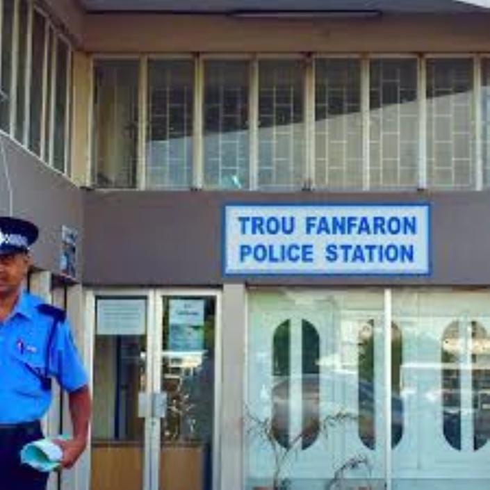 Gare du Nord : Un policier agressé par une collégienne