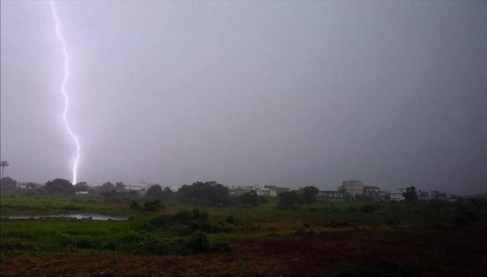 Coup de foudre à Moka par Javed Kala (M.Photography)