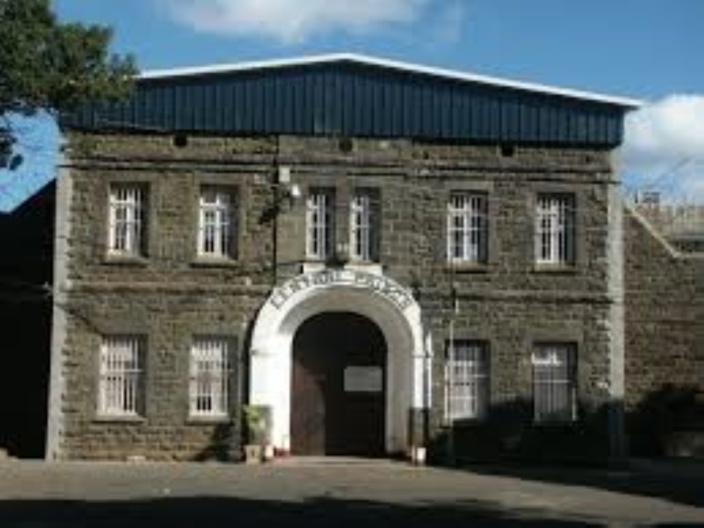 Mutinerie à la prison centrale de Beau-Bassin :  800 détenus refusent leur repas