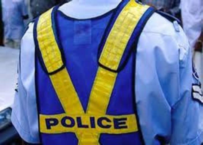 Les risques du métier : des policiers attaqués par un homme armé d'une scie
