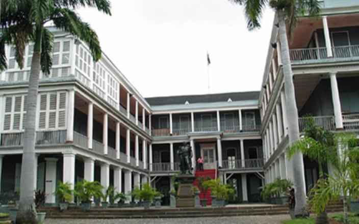 Un employé du ministère de l'Égalité du genre arrêté pour corruption