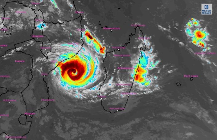 Image du satellite MSGA dans le canal infrarouge montrant le cyclone IDAI le mercredi 13 mars 2019 à 7 UTC - © Météo-France.
