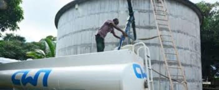 Fourniture d'eau interrompue dans le Sud : Des camions-citernes à la disposition des habitants