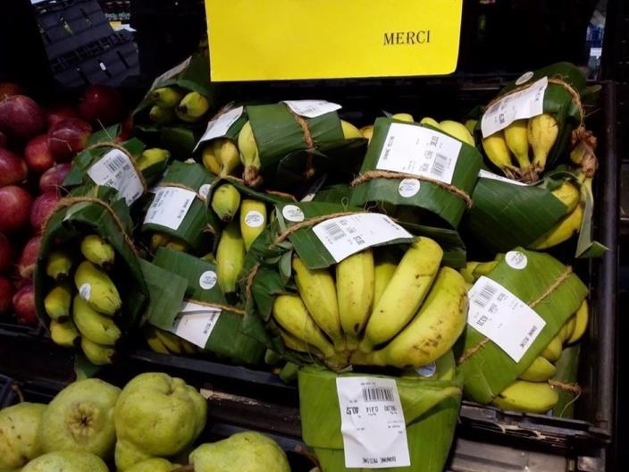 Le sac plastique remplacé par des feuilles de banane