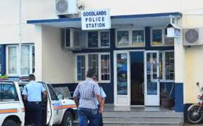 Trois arrestations à Goodlands pour vol de bijoux