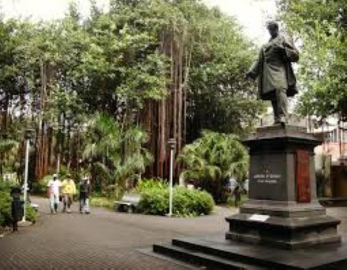Le Lord-maire de Port-Louis a décidé de fermer le Jardin de la Compagnie la nuit