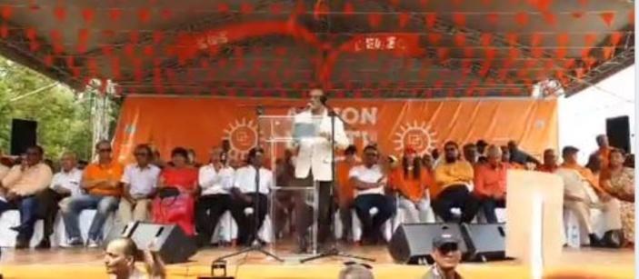 Ivan Collendavelloo : « Un étranger ne peut venir insulter notre Premier ministre »