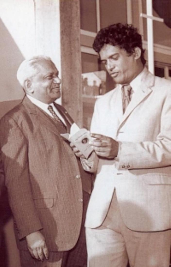 Sir Seewoosagur Ramgoolam et sir Gaetan Duval. (photo archive)