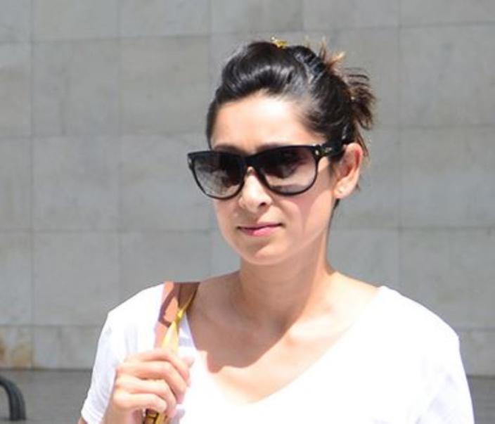 Laina Rawat : Pravind Jugnauth a retiré Rs 4,4 M le 9 janvier 2015, SAJ a retiré Rs 741 000 le 13 février 2015 et Roshi Bhadain a retiré Rs 6 M le 18 février 2015