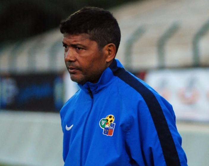 Le sélectionneur de l'équipe réunionnaise de football arrêté comme un vulgaire trafiquant de drogue à Rodrigues