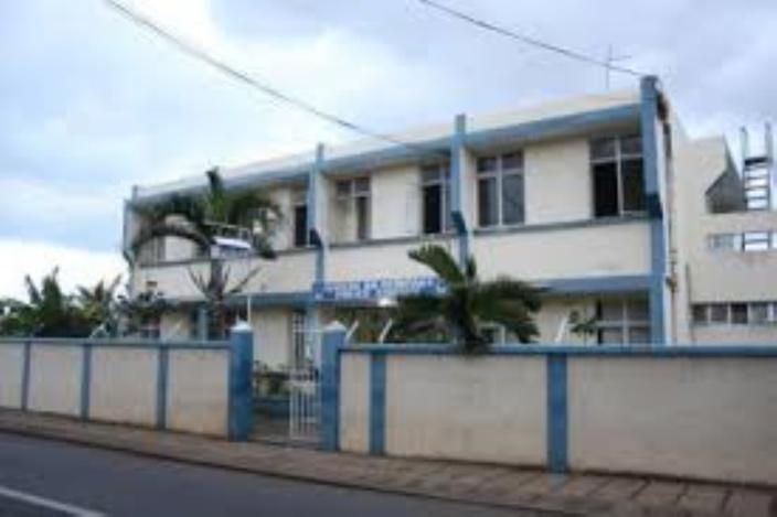 Violence conjugale à Rivière-du-Rempart : Il l'a blesse au cutter et se lacère le cou par la suite