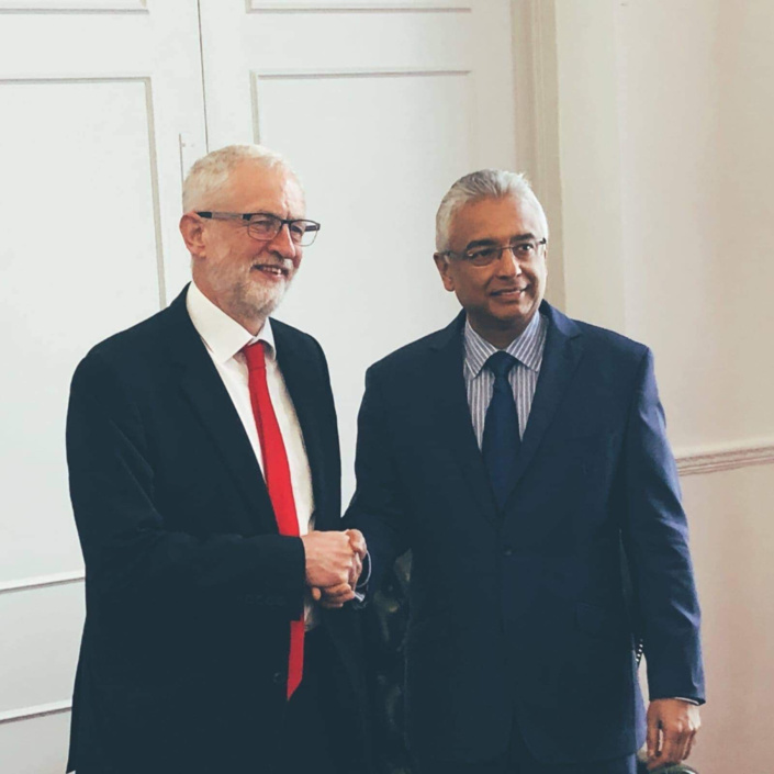 Cher Jeremy Corbyn, Pravind Jugnauth aussi est «in office but not in power»