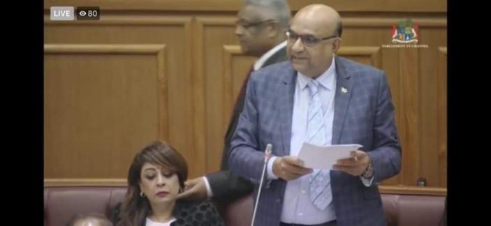 """""""Geste d'amitié"""" : Le conseiller de Pravind Jugnauth présente ses excuses au députée Boygah"""