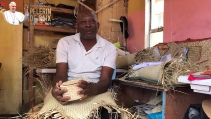 ▶️ Des paniers d'hosties : made in Rodrigues !