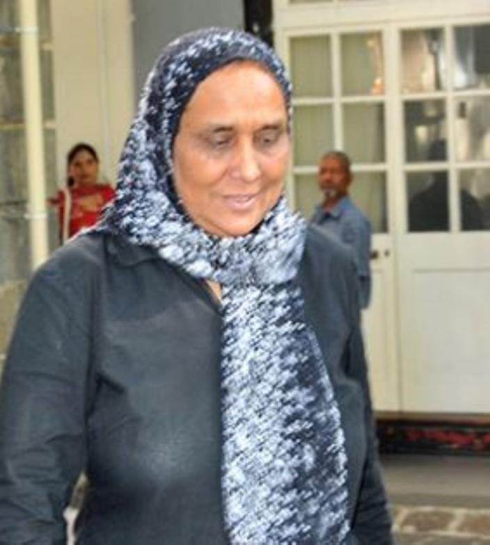 Enquête sur Me Jaykar Gujadhur : Me Feroza Moolna se retire du comité ad-hoc après le «like» de son fils