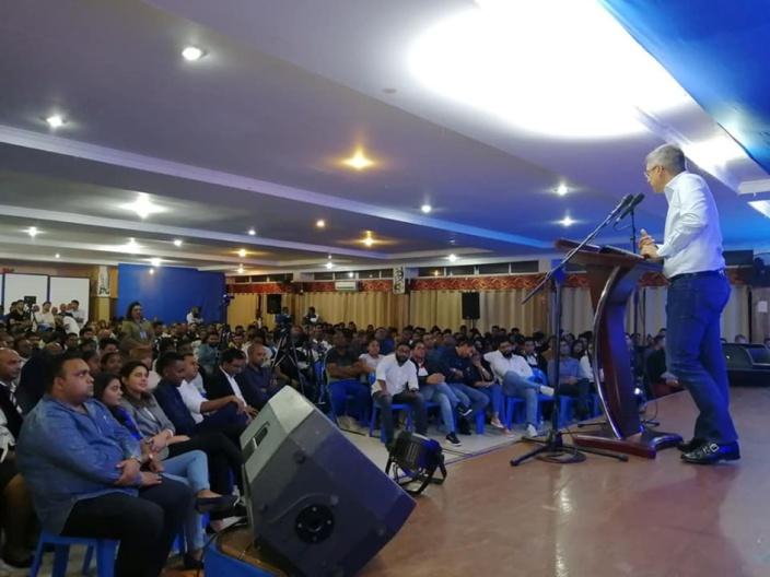 Faites de la politique, lance XLD aux jeunes