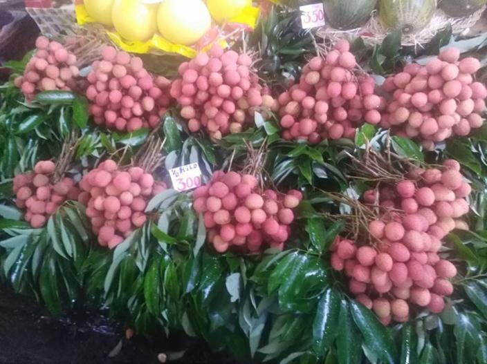 Au marché de Port-Louis le prix des letchis encore très élevé