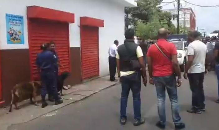 Une femme interrogée dans le cadre de la descente policière à Sainte Croix samedi