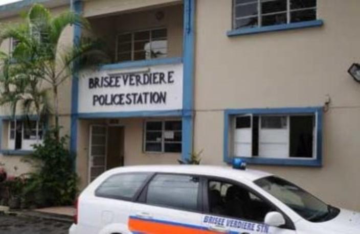 Belvédère : Un homme incendie la maison familiale avec une bonbonne de gaz