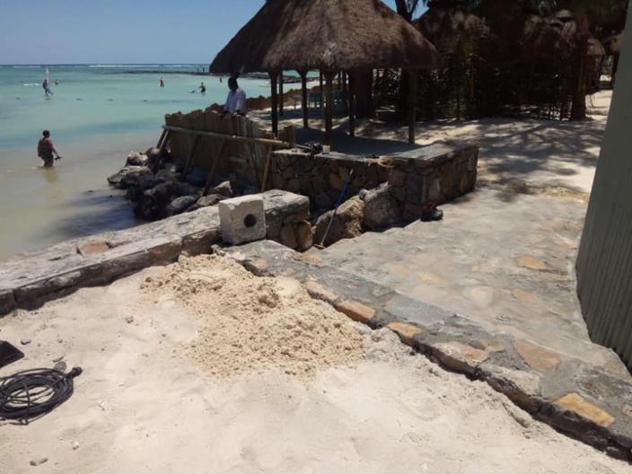 ▶️ Belle Mare : La construction d'une extension de restaurant au pied de la plage fait polémique