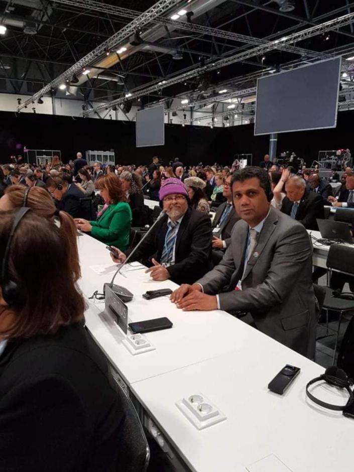 """Les ministres en """"mission"""" en Colombie, Chine et Espagne..."""