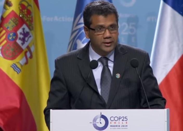 Réchauffement climatique : Le ministre de l'Environnement Ramano affirme que le Metro express réduira les gaz à effet de serre