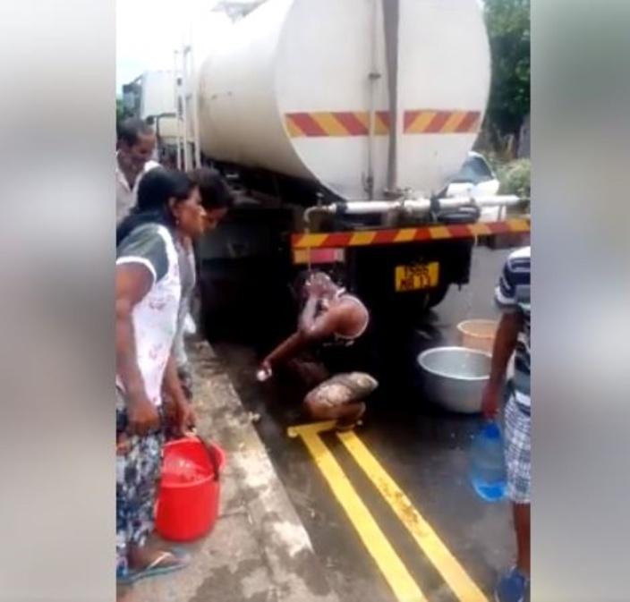 ▶️ Robinets à sec en 2020 ? Il prend son bain avec l'eau du camion citerne !