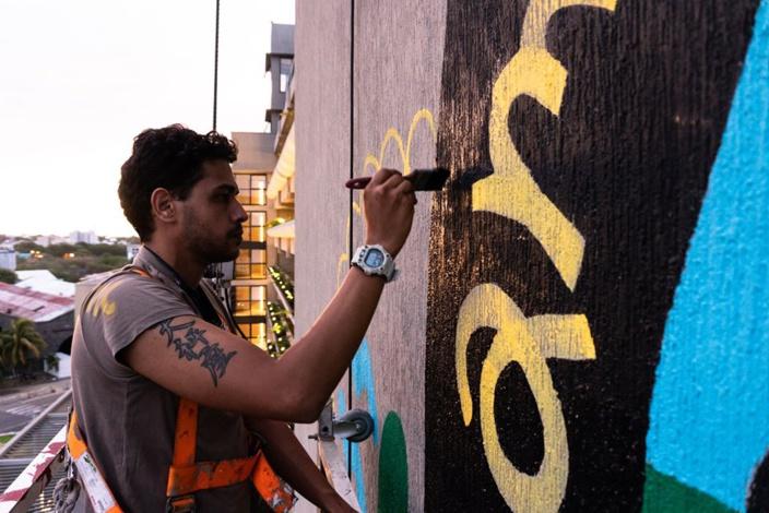 📷 Port-Louis : Au Caudan, une magnifique fresque signée Gael Froget