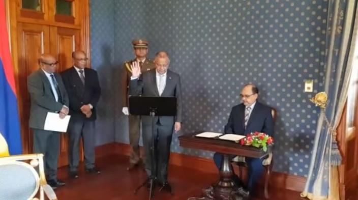 Eddy Boissezon Président de la République par intérim pour 48 heures