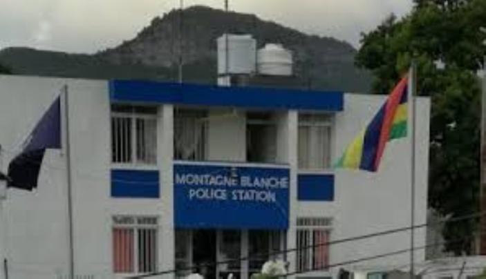 Montagne Blanche : Un constable de la Special Mobile Force recherché pour avoir saccagé une maison et agressé un policier
