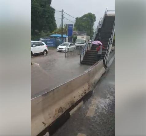 📷 Avis de fortes pluies : Plusieurs routes impraticables et fermées à la circulation